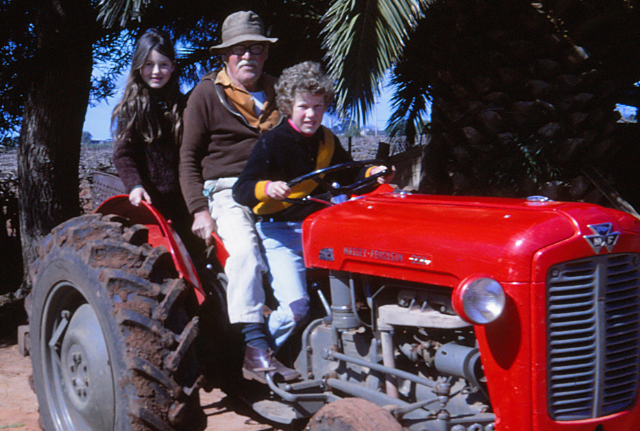 Ann Tommy & Malcolm Block 137 Red Cliffs early '70s
